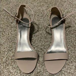 Size 9 Nude heel